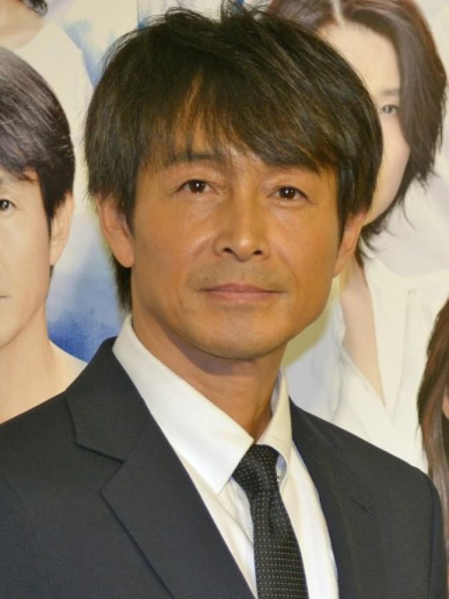 吉田栄作、キスシーンは「慣れなるものじゃない」