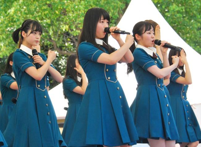 「TOKYO IDOL FESTIVAL 2016」に初参戦した欅坂46(中央:長濱ねる)