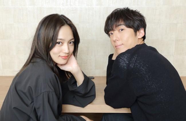 『九月の恋と出会うまで』に出演する川口春奈&高橋一生