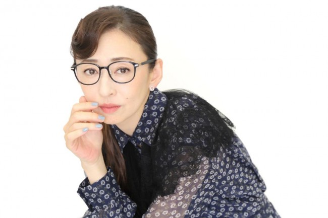 NHKドラマ10『ミス・ジコチョー~天才・天ノ教授の調査ファイル~』松雪泰子インタビューカット