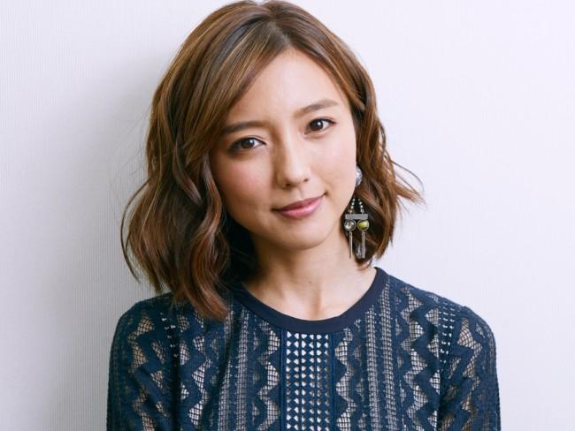 映画『青の帰り道』に主演する真野恵里菜にインタビュー