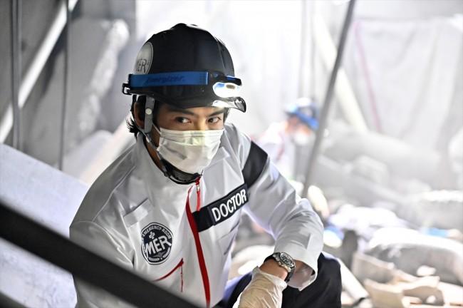 インタビュー用 『TOKYO MER~走る緊急救命室~』賀来賢人場面写真